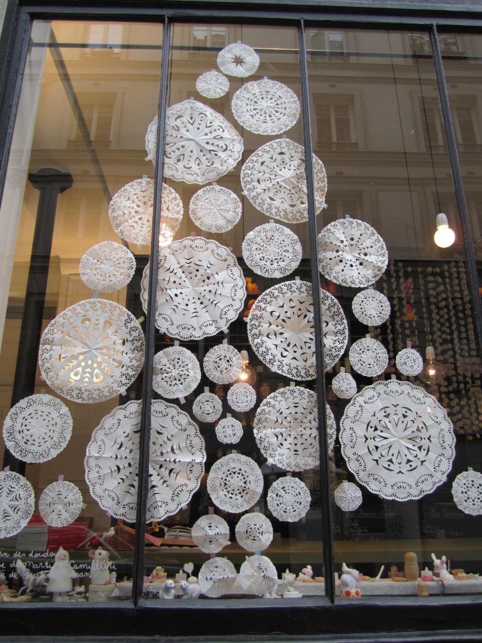 Снежинки из бумаги. Простые и красивые шаблоны со схемами для вырезания