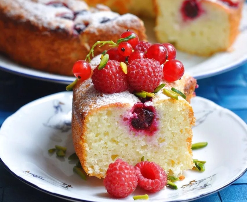 Манник на кефире – лучшие рецепты очень вкусного воздушного пирога