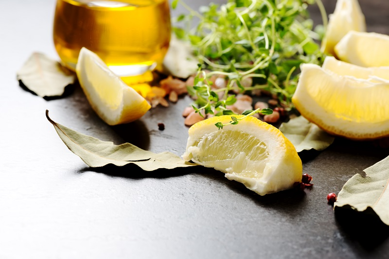 Выжми 1 лимон, смешай с 1 столовой ложкой оливкового масла… Теперь вовек меня не забудешь!
