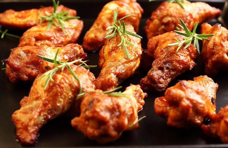 Острые, румяные, хрустящие — мои любимые! 10 вариантов приготовления куриных крылышек. Выбери свой неповторимый вкус!