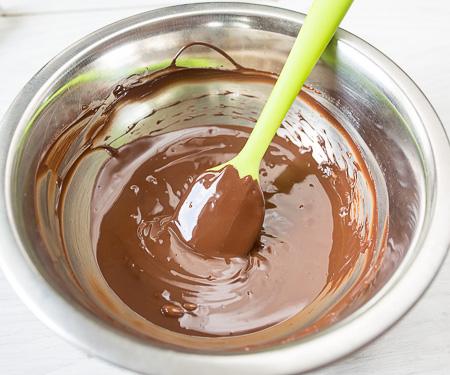 Как насчет кофейно-шоколадных капкейков с шоколадным кремом? Их так просто приготовить.