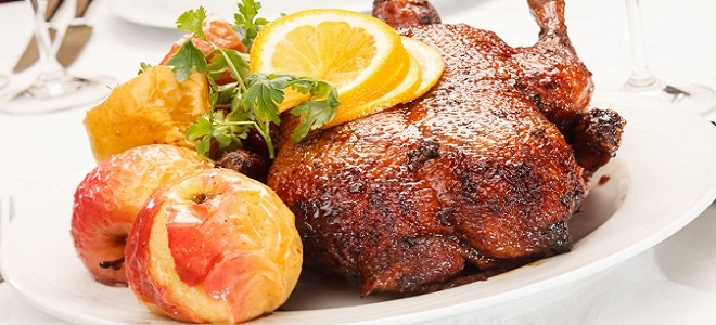 Утка с яблоками и апельсинами в духовке — праздничные рецепты вкусного блюда