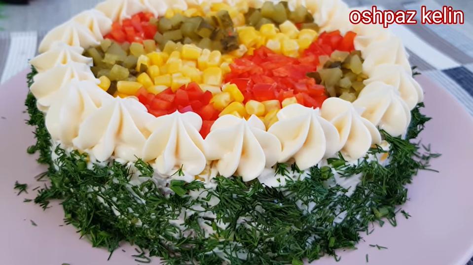 Салат со вкусом суши – смелое сочетание кулинарных традиций разных стран