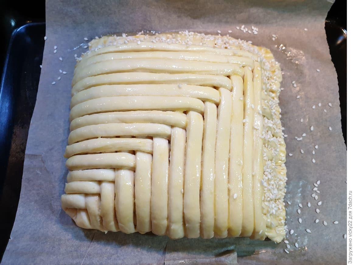 Слоеный пирог с курицей и шампиньонами - выпечка завоевавшая моё сердце