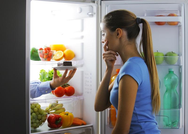 «5 столовых ложек» — ровно столько ты должен съедать за один прием пищи, чтобы похудеть. Новая диета для тех, у кого проблемы с подсчетом калорий.