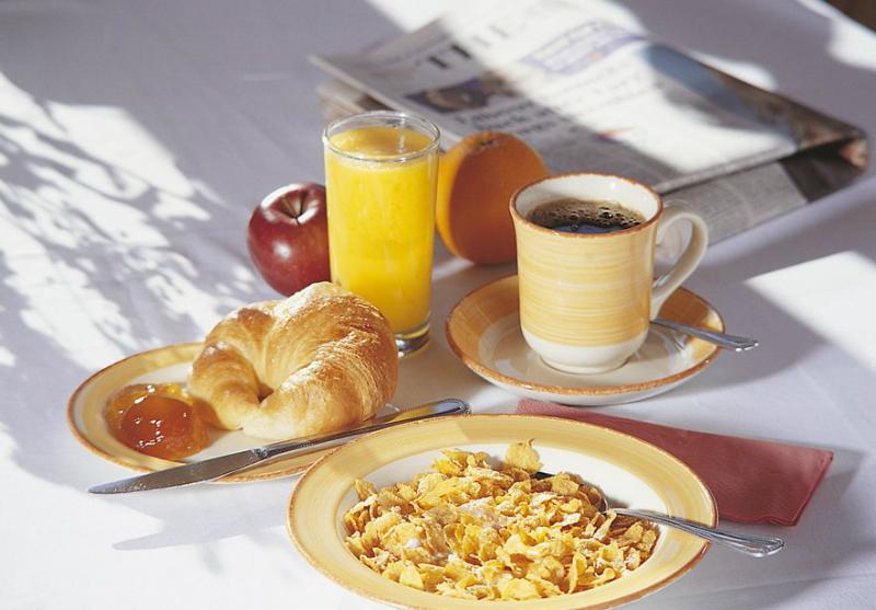 Булочки к завтраку: 5 любимых рецептов. Быстрое приготовление без сложного замеса. Тебе понравится идея с начинками.