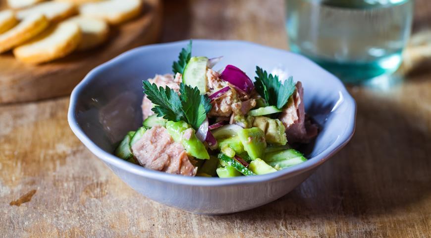 9 недорогих вкусных блюд с консервированным тунцом