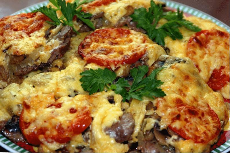 Идеальное горячее блюдо к празднику: три беспроигрышные рецепта. Отличная компания любимым салатам!