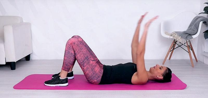 Лучшие безопасные упражнения для зрелых красавиц. Фигура может оставаться подтянутой до глубокой старости.