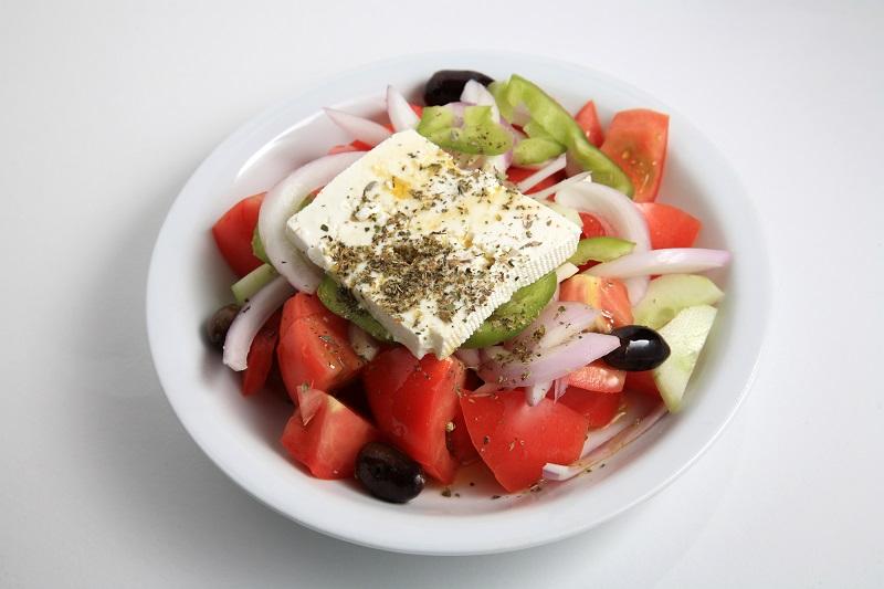 Как приготовить греческий салат по всем правилам