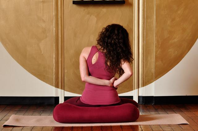 12 несложных упражнений, которые позволят вам забыть о болях в спине