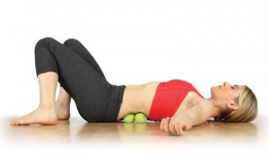 Как избавиться от боли в спине с помощью теннисного мяча