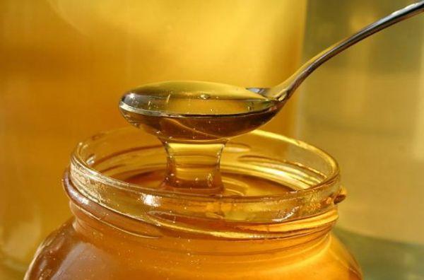 Медовая вода для умывания: предупреждаем преждевременное увядание кожи на лице и шее!